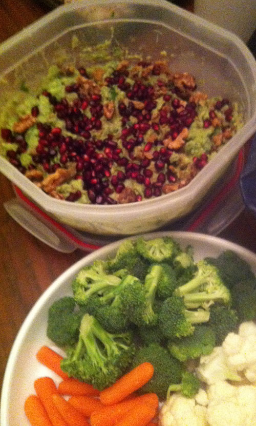 Recipe: Pomegranate-walnut guacamole