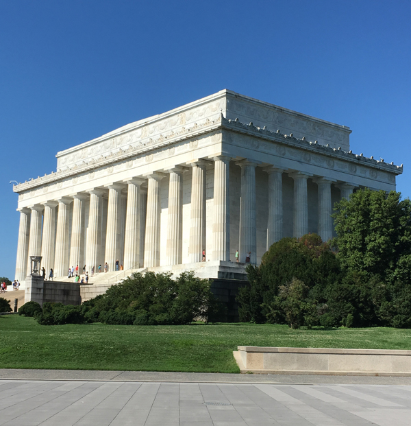 lincoln monument side