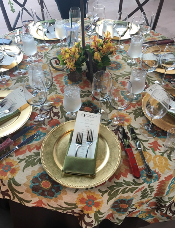 oak farm table setting